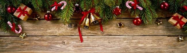 christmas-presents-wreath