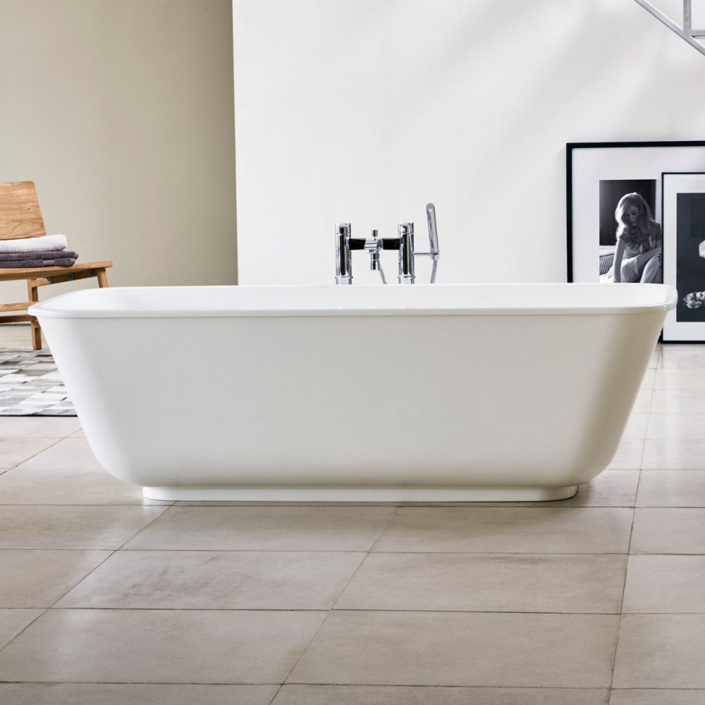 Clearwater Nuvola Freestanding Bath lifestyle