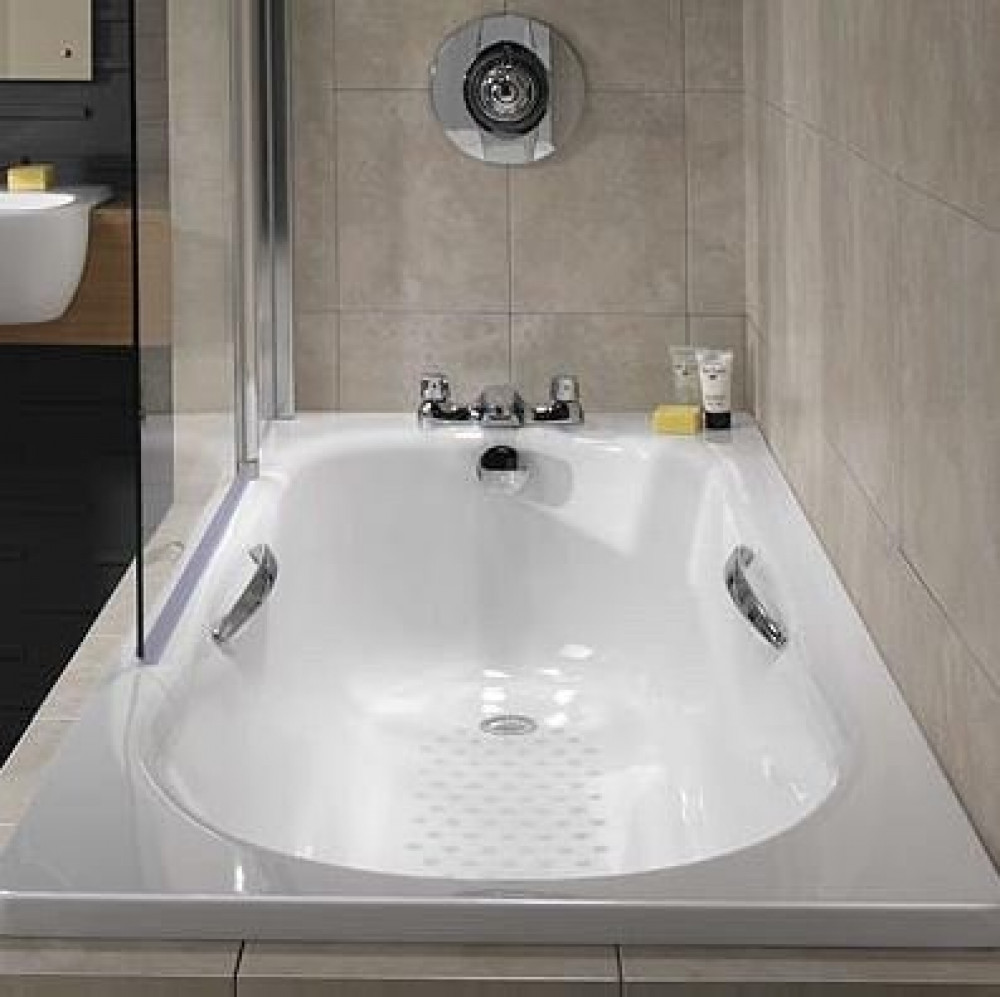 Twyford Celtic Low Volume Steel Bath1700 x 700mm Slip Resist inc Grips and Legs