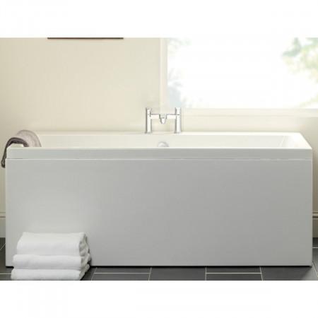 Carron Quantum Double Ended Bath 1900 x 900 Room Setting