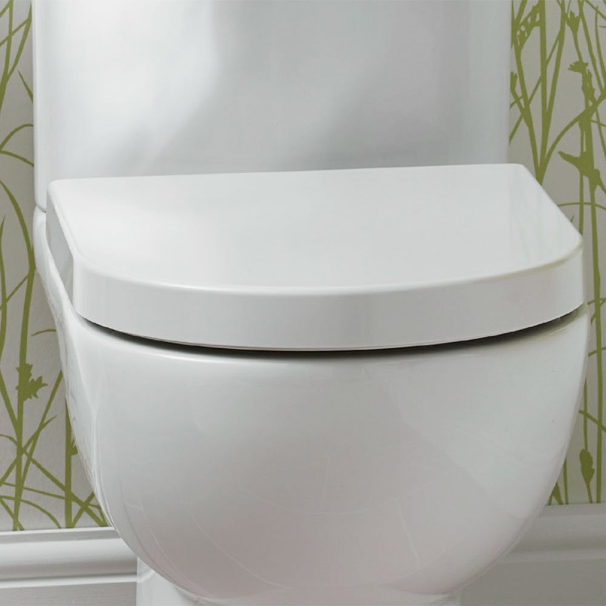 Lily Close Coupled Back To Wall Toilet Inc Soft Close Seat